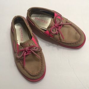Sperry top spider tan with pink trim and laces